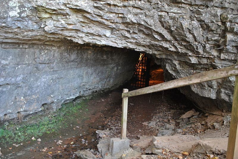 bell witch cave tennessee